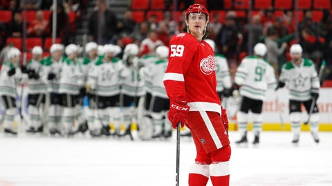 Paltry attack dooms Red Wings in loss to Stars