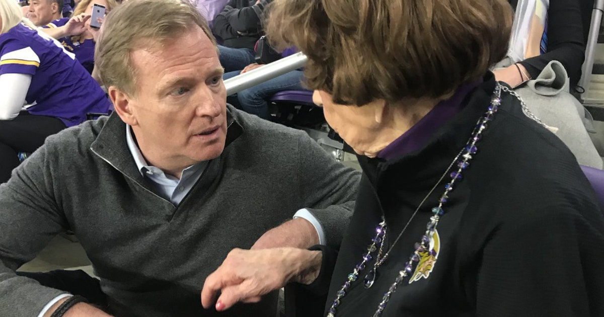 99-year-old Vikings superfan gets Super Bowl gift from Roger Goodell (VIDEO)