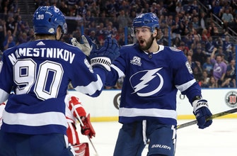 Lightning take control early, celebrate return home by sweeping season series against Red Wings