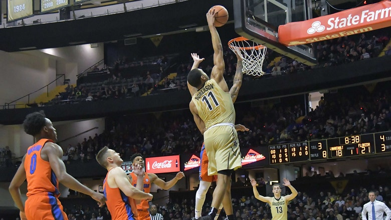 Florida can't hold onto lead in 2nd half, falls on road to Vanderbilt