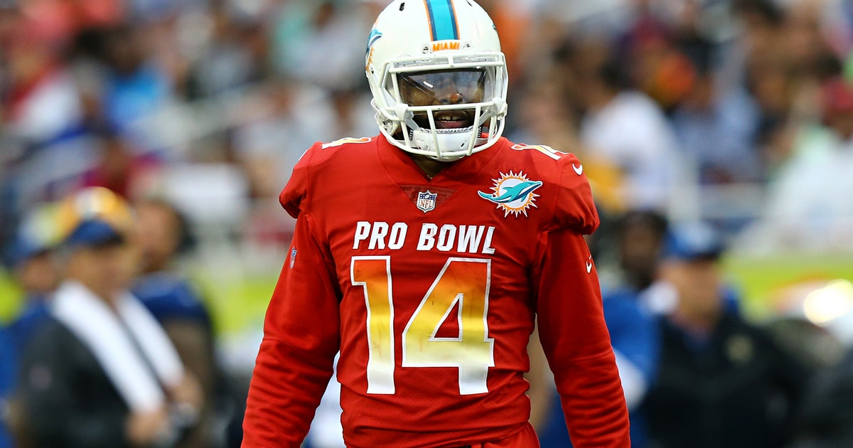 Dolphins use non-exclusive franchise tag on Pro Bowl WR Jarvis Landry  c18c11c5c