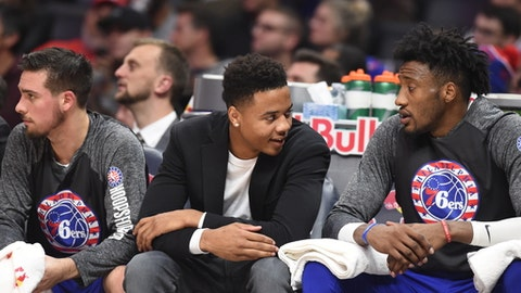LOS ANGELES, CA - NOVEMBER 13:  Markelle Fultz #20 of the Philadelphia 76ers during the game against the LA Clippers on November 13, 2017 at STAPLES Center in Los Angeles, California. (Photo by Adam Pantozzi/NBAE via Getty Images)