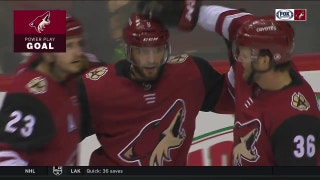 Precision on ice: Keller sets up Rieder for one-timer