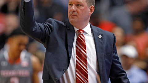 Texas Tech coach Chris Beard calls out a play during the first half of the team's NCAA college basketball game against Texas, Wednesday, Jan. 31, 2018, in Lubbock, Texas. (AP Photo/Brad Tollefson)