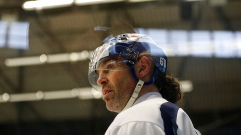 Jaromir Jagr attends a training session with the Kladno Knights hockey club in Kladno, Czech Republic, Thursday, Feb. 1, 2018. NHL great Jaromir Jagr has arrived in his native Czech Republic and signed a deal with a team he owns to finish the season. Wednesday's move comes a couple days after the Calgary Flames placed him on unconditional waivers to terminate his contract. (AP Photo/Petr David Josek)