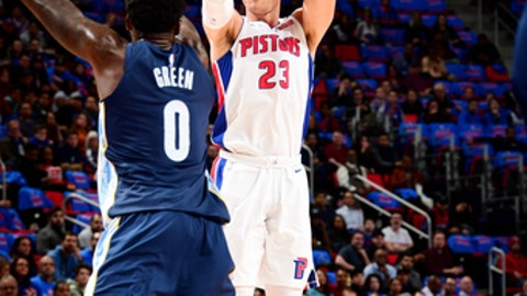 DETROIT, MI - FEBRUARY 1: Blake Griffin #23 of the Detroit Pistons shoots the ball against the Memphis Grizzlies on February 1, 2018 at Little Caesars Arena in Detroit, Michigan. NOTE TO USER: User expressly acknowledges and agrees that, by downloading and/or using this photograph, User is consenting to the terms and conditions of the Getty Images License Agreement. Mandatory Copyright Notice: Copyright 2018 NBAE (Photo by Chris Schwegler/NBAE via Getty Images)
