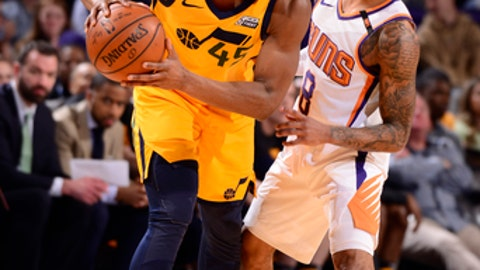 PHOENIX, AZ - FEBRUARY 2: Donovan Mitchell #45 of the Utah Jazz handles the ball against the Phoenix Suns on February 2, 2018 at Talking Stick Resort Arena in Phoenix, Arizona. (Photo by Barry Gossage/NBAE via Getty Images)