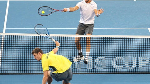 Germany claims crucial Davis Cup doubles win over Australia