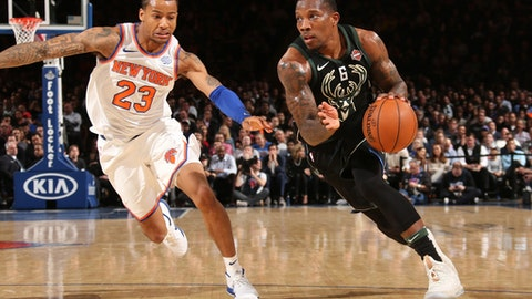 NEW YORK, NY -FEBRUARY 6: Eric Bledsoe #6 of the Milwaukee Bucks handles the ball during the game against the New York Knicks on February 6, 2018 at Madison Square Garden in New York, NY. (Photo by Ned Dishman/NBAE via Getty Images)