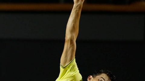 Austria's Dominic Thiem serves the ball to Spain's Pablo Andujar during the Rio Open tennis tournament in Rio de Janeiro, Brazil, Thursday, Feb. 22, 2018. (AP Photo/Leo Correa)