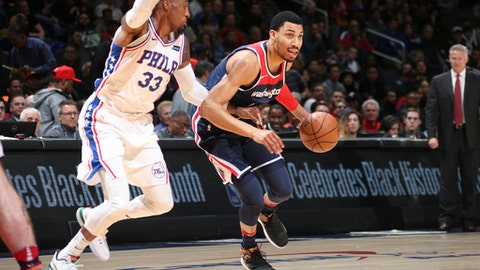 WASHINGTON, DC -FEBRUARY 25: Otto Porter Jr. #22 of the Washington Wizards handles the ball against the Philadelphia 76ers on February 25, 2018 at Capital One Arena in Washington, DC. (Photo by Ned Dishman/NBAE via Getty Images)