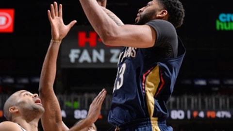 SAN ANTONIO, TX - FEBRUARY 28:  Anthony Davis #23 of the New Orleans Pelicans shoots the ball against the San Antonio Spurs on February 28, 2018 at the AT&T Center in San Antonio, Texas.