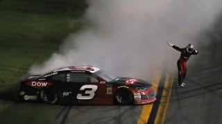 Austin Dillon wins the 2018 Daytona 500 with a last-lap pass on Aric Almirola | FOX NASCAR