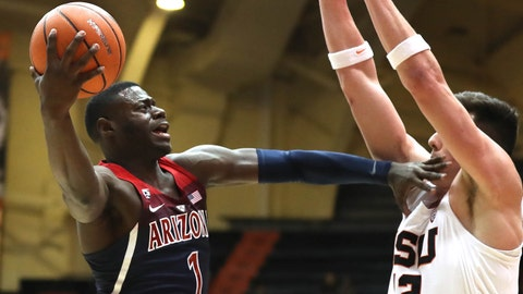 Feb 22, 2018; Corvallis, OR, USA; Arizona Wildcats guard Rawle Alkins (1) makes room and shoots over Oregon State Beavers forward Drew Eubanks (12) in the first half  at Gill Coliseum. Mandatory Credit: Jaime Valdez-USA TODAY Sports