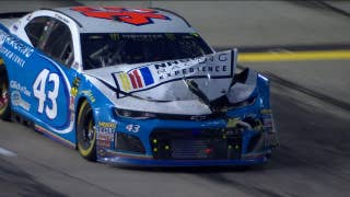 Bubba Wallace collides with Ricky Stenhouse amid blinding smoke | 2018 ATLANTA | FOX NASCAR