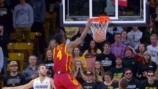 USC's Chimeze Metu throws down vicious dunk off the inbound pass