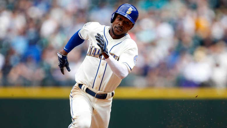 D-backs add outfield depth by signing Jarrod Dyson to 2-year deal