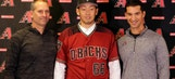 WBC experience leads Hirano to D-backs for late-inning role