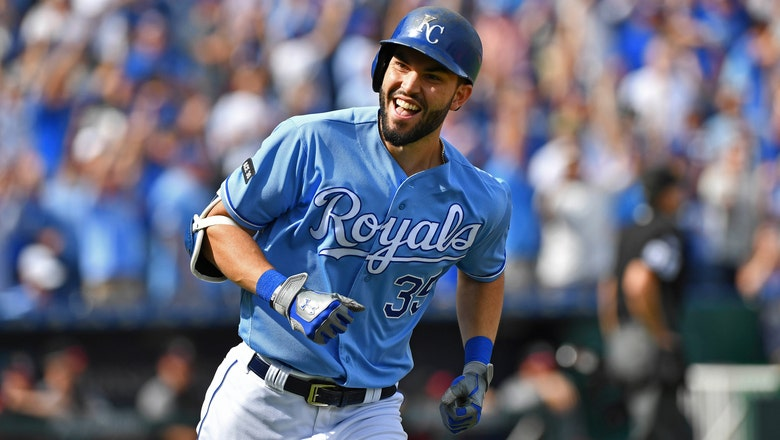 Reports: Padres land Hosmer with 8-year deal