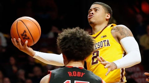 Mason scores career-high 34, but Gophers fall to Nebraska