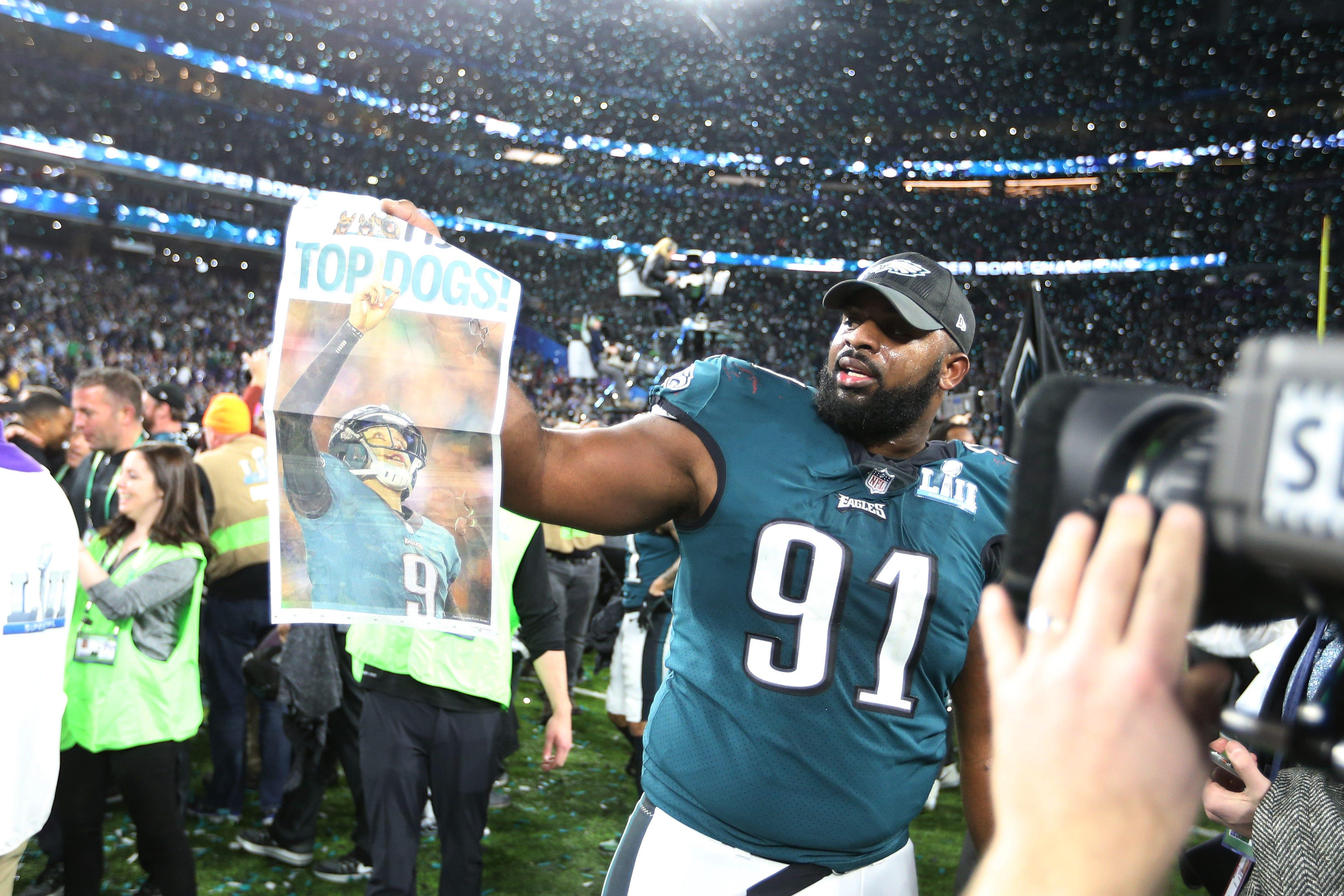 buy popular 0238a 420a8 Eagles beat Patriots, win first Super Bowl | FOX Sports
