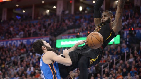 James, Cavs top Thunder