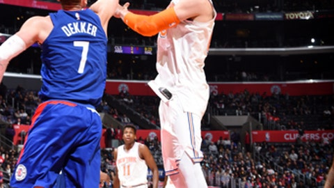 LOS ANGELES, CA - MARCH 2: Enes Kanter #00 of the New York Knicks shoots the ball during the game against the LA Clippers on March 2, 2018 at STAPLES Center in Los Angeles, California. (Photo by Andrew D. Bernstein/NBAE via Getty Images)