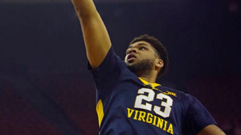 West Virginia forward Esa Ahmad lays up the ball during the first half of an NCAA college basketball game against Texas, Saturday, March 3, 2018, in Austin, Texas. (AP Photo/Michael Thomas)