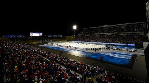 The Washington Capitals play the Toronto Maple Leafs during the first period of an NHL hockey game, Saturday, March 3, 2018, in Annapolis, Md. (AP Photo/Nick Wass)