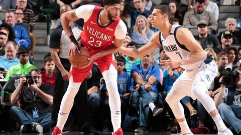 DALLAS, TX - MARCH 4: Anthony Davis #23 of the New Orleans Pelicans handles the ball against the Dallas Mavericks on March 4, 2018 at the American Airlines Center in Dallas, Texas. (Photo by Glenn James/NBAE via Getty Images)