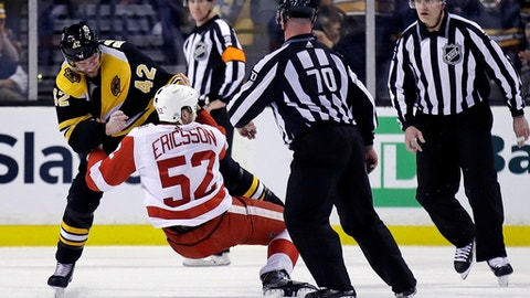 NHL suspends Bruins' Backes 3 games for hit