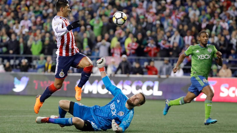 Dempsey's late goal lifts Sounders past Chivas, 1-0