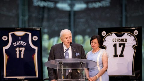 METAIRIE, LA - JULY 26: New Orleans Saints and Pelicans Owner Tom Benson and Gayle Benson answers questions from the media during the New Orleans Saints and Pelicans Press Conference at the Ochsner Sports Performance Center on July 26, 2017. (Photo by Stephen Lew/Icon Sportswire via Getty Images)
