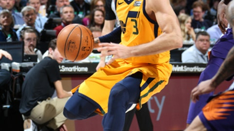 SALT LAKE CITY, UT - MARCH 15:  Ricky Rubio #3 of the Utah Jazz handles the ball against the Phoenix Suns on March 15, 2018 at vivint.SmartHome Arena in Salt Lake City, Utah. (Photo by Melissa Majchrzak/NBAE via Getty Images)