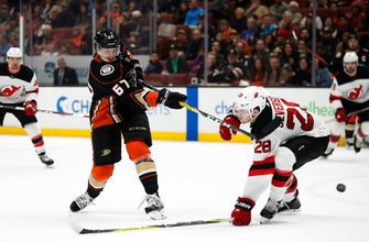Ducks move into third in Pacific with 4-2 win over Devils