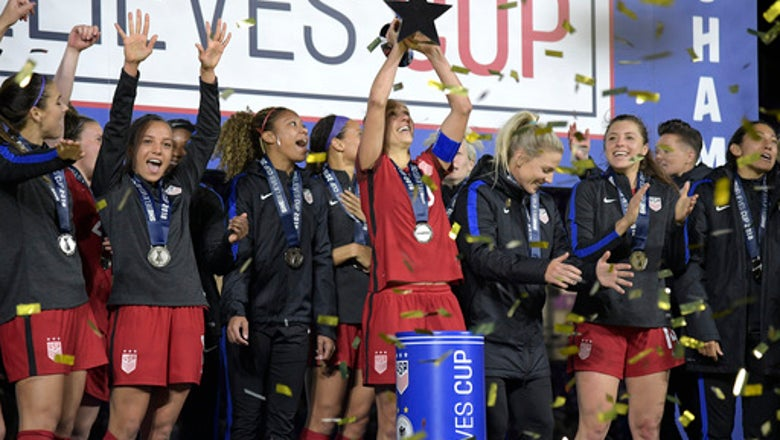 United States tops FIFA women's rankings, England No. 2