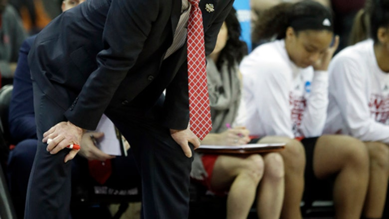 Mississippi State routs NC State 71-57 to reach Elite Eight