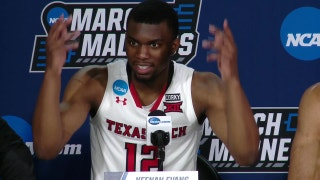 Texas Tech coach energizes Dallas crowd in win to advance to Sweet 16