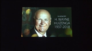 Panthers observe pregame moment of silence in honor of H. Wayne Huizenga
