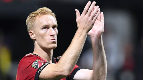 Oct 26, 2017; Atlanta, GA, USA; Atlanta United defender Jeff Larentowicz (18) acknowledges the Atlanta United fans after losing to the Columbus Crew in the Eastern Conference knockout round soccer game at Mercedes-Benz Stadium. The Columbus Crew won in a 3-1 shootout. Mandatory Credit: John David Mercer-USA TODAY Sports