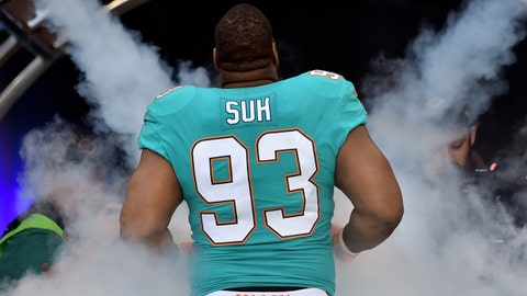 Dec 3, 2017; Miami Gardens, FL, USA; Miami Dolphins defensive tackle Ndamukong Suh (93) is introduced prior to a game against the Denver Broncos at Hard Rock Stadium. Mandatory Credit: Steve Mitchell-USA TODAY Sports