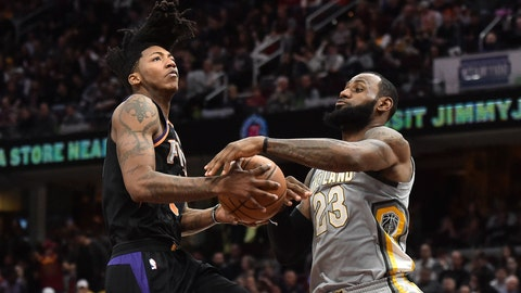 LeBron, Cavs cruise to 120-95 blowout over sinking Suns