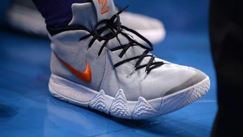 Phoenix Suns center Alex Len