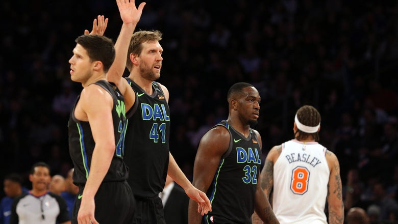 Nowitzki, young Smith want Mavs to be relevant again