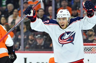 Atkinson's hat trick lifts surging Blue Jackets over Flyers