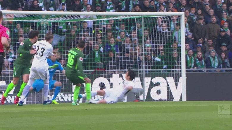 Werder Bremen vs. Eintracht Frankfurt | 2017-18 Bundesliga Highlights