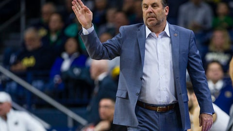 Notre Dame head coach Mike Brey calls out a play against Hampton during an NCAA college basketball game in the first round of the NIT tournament, Tuesday, March 13, 2018, in South Bend, Ind.   (Michael Caterina/South Bend Tribune via AP)