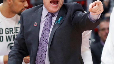 Michigan State head coach Tom Izzo argues a call  during the first half of an NCAA men's college basketball tournament first-round game against Bucknell in Detroit, Friday, March 16, 2018. (AP Photo/Paul Sancya)