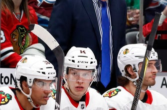 Blackhawks keeping Quenneville, Bowman after poor season