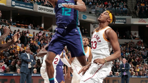 INDIANAPOLIS, IN - APRIL 10:  Dwight Howard #12 of the Charlotte Hornets shoots the ball during the game against the Indiana Pacers on April 10, 2018 at Bankers Life Fieldhouse in Indianapolis, Indiana. (Photo by Ron Hoskins/NBAE via Getty Images)